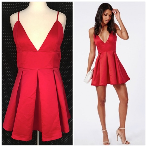 18f9011d11e NEW Red Deep V Satin Pleated Missguided Dress 16